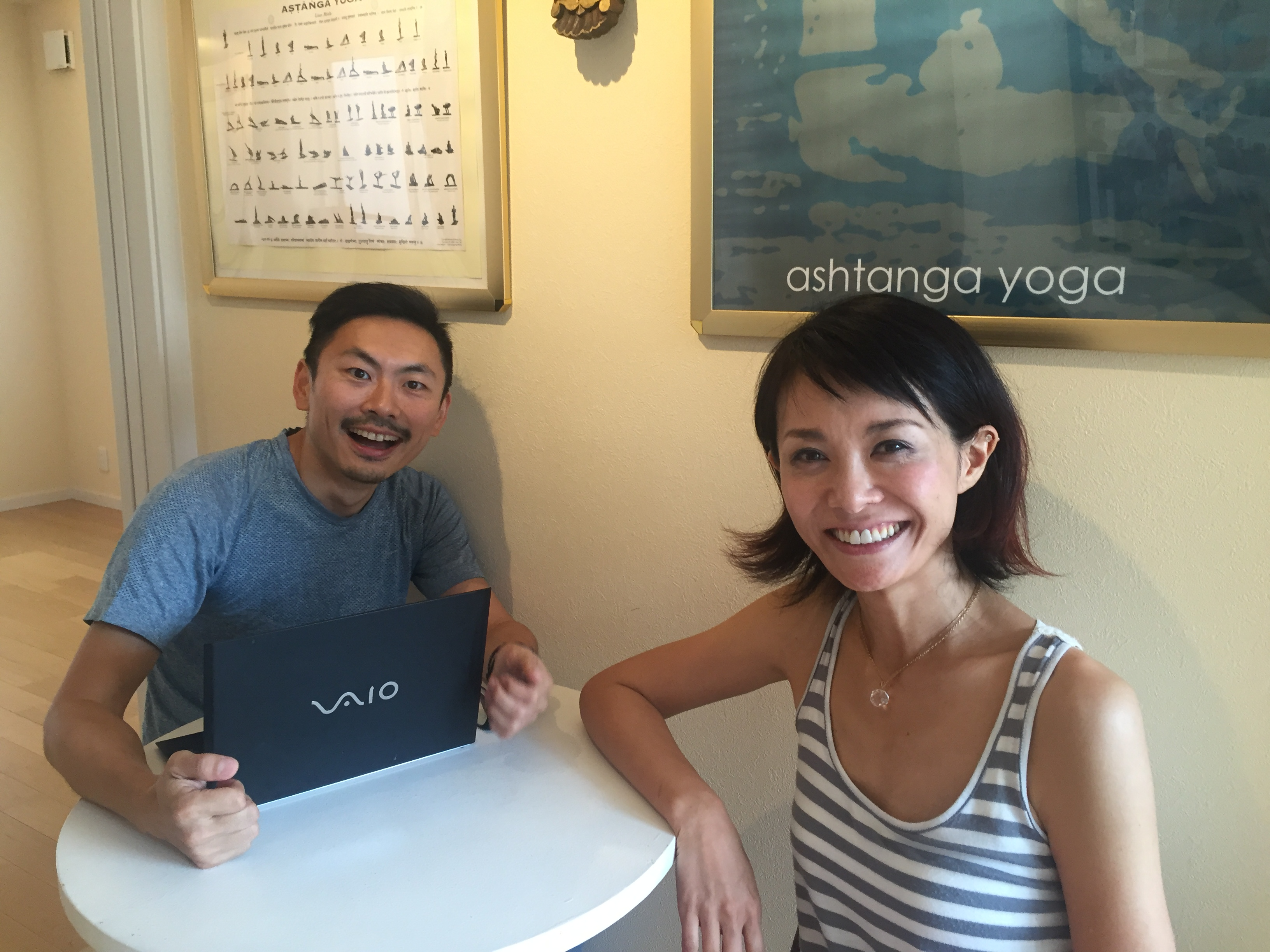 TOM(left) with ashtanga yoga teacher Yuki @IYC Omotesando Tokyo