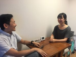 Tom interviewing Yin Yoga teacher, Misato at IYC TOKYO